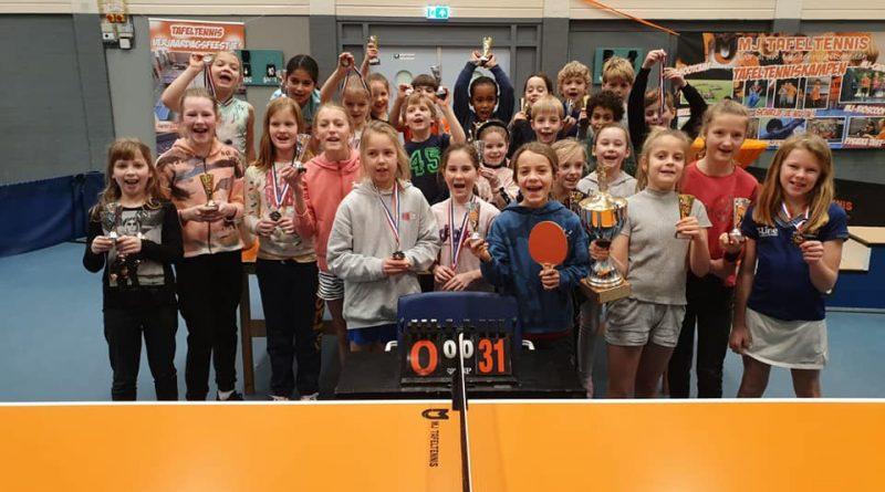 Ivy & Paco winnen Ping-Pong Stars!